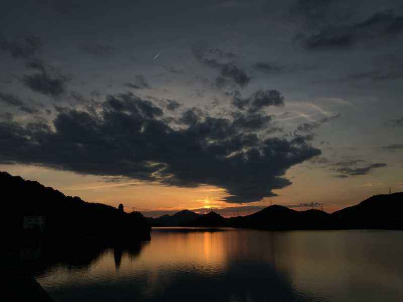 平荘湖夕日